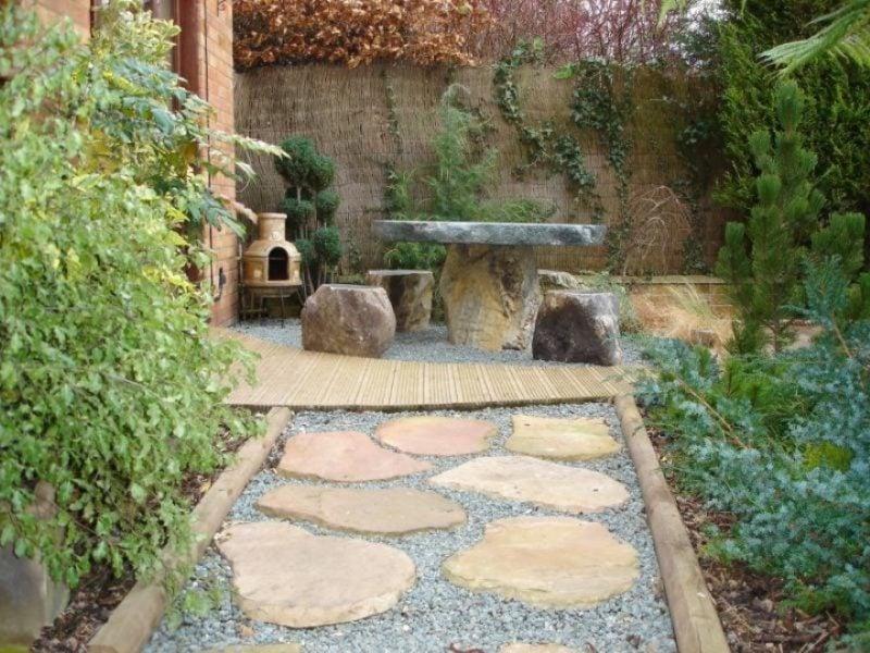 Steinbeet anlegen: Kombinieren Sie Holz und Stein