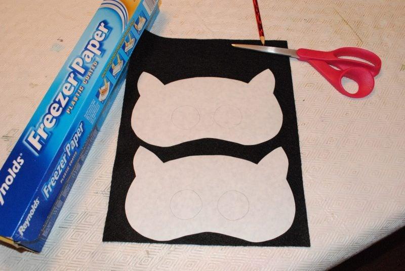 tiermasken basteln mit der schere die vorlage ausschneiden