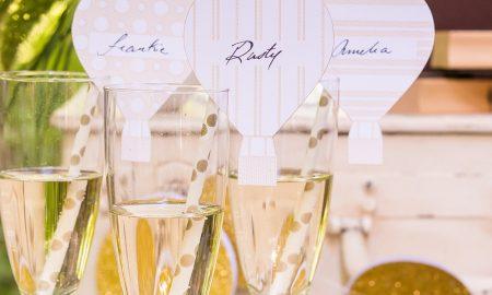verzierte tischkarten geburtstag in einem glas