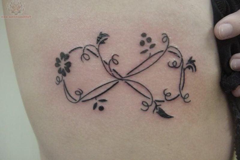 unendlich zeichen tattoo classic flowers