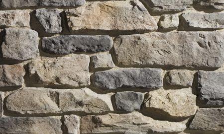 Wandpaneele mit Steinoptik
