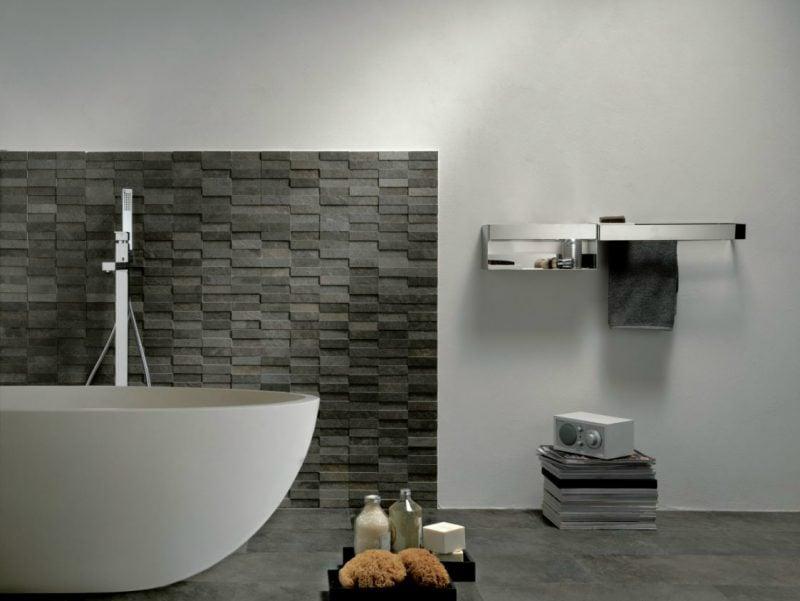 Wandpaneele mit Steinoptik in schwarzer Farbe