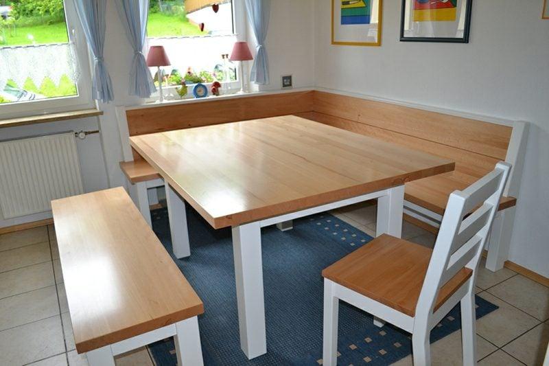 Eckbank Holz klassischer Look