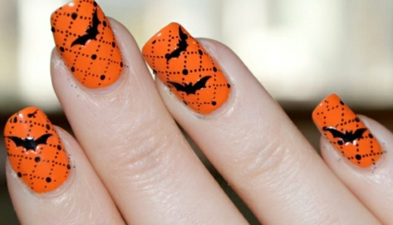 Nageldesign Muster zu Halloween Fledermäuse