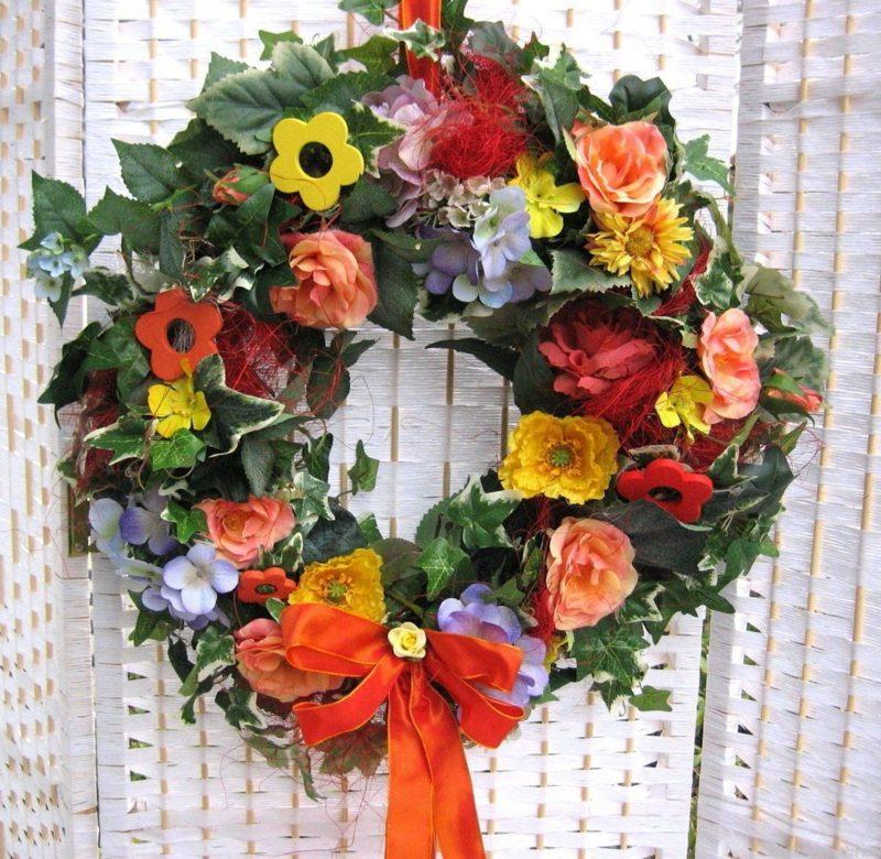 Frühlingsbasteln Blumen aus Kunststoff