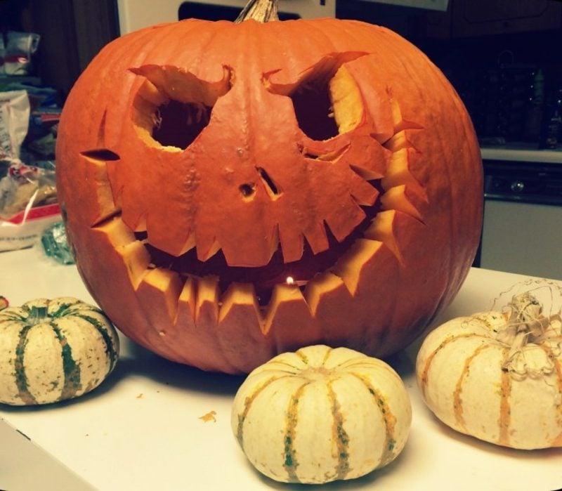 Halloween Kürbis schnitzen kreative Dekoideen