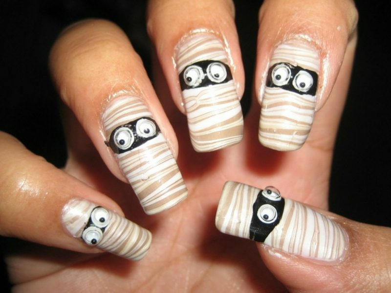 Mumie originelle Nageldesign Muster zu Halloween