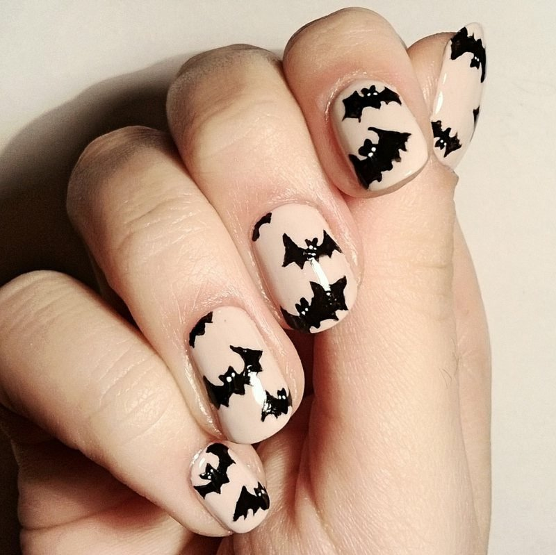 Fledermäuse interessantes Nageldesign Halloween