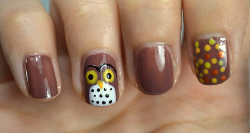 interessantes Nageldesign Herbst originelle Motive Eule