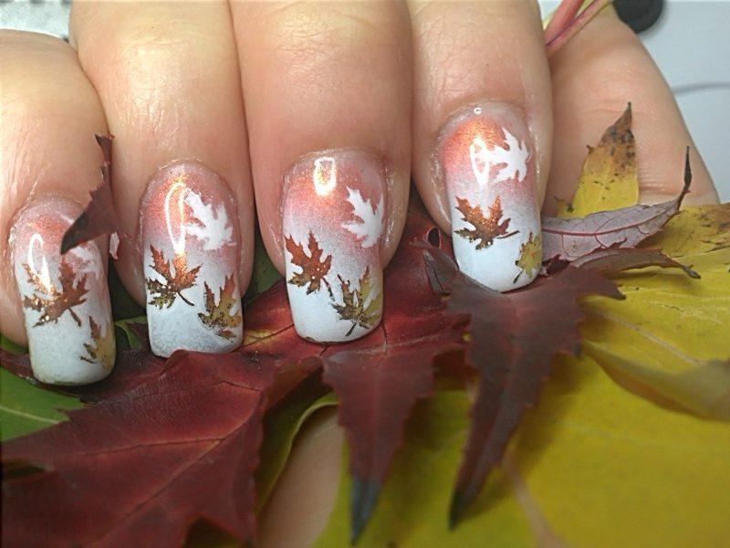 Herbstblätter interessantes Nageldesign