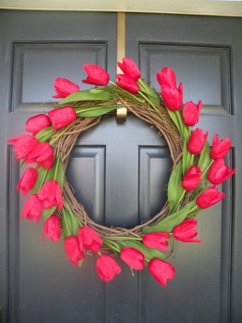 Blumenkranz rote Tulpen Frühlingsbasteln