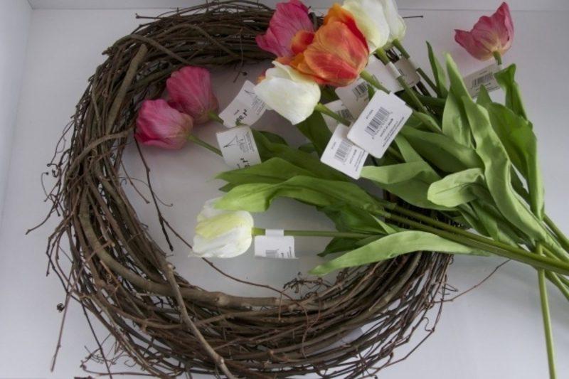 Blumenkranz aus Tulpen basteln