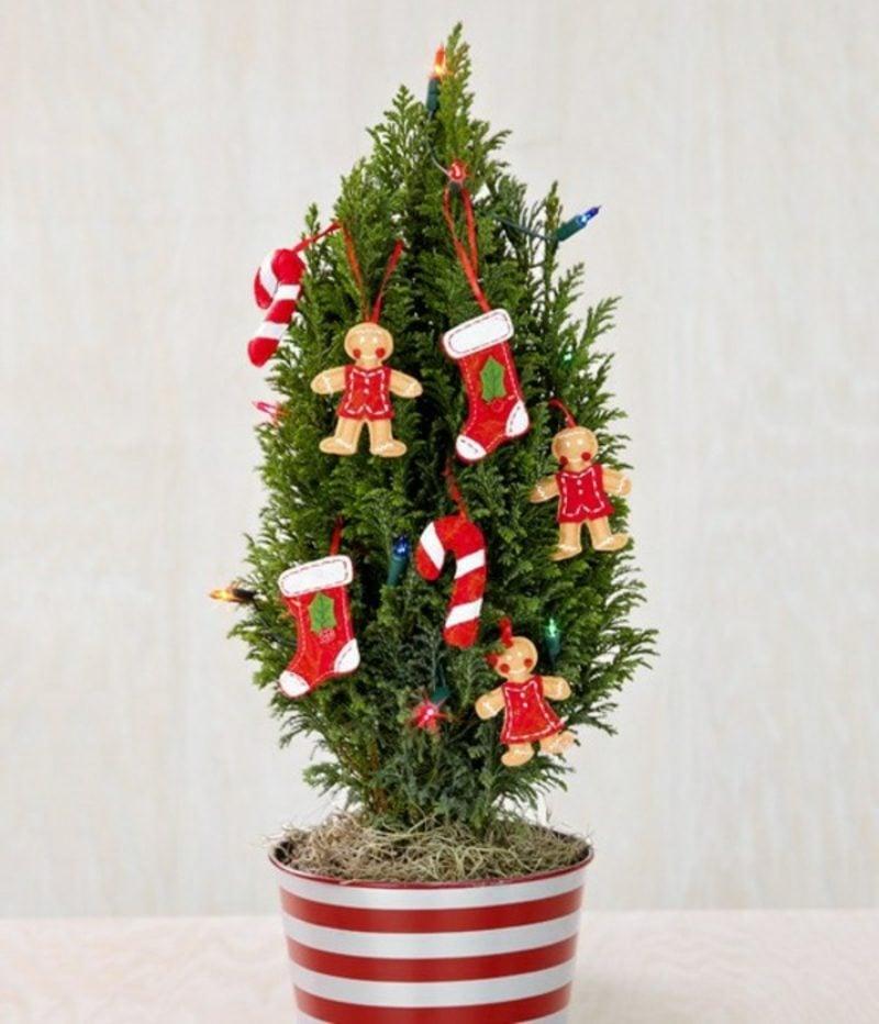 Weihnachtsbaum im Topf Filzdekoration im Rot und Weiss