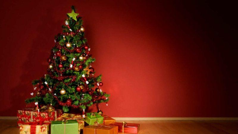 Weihnachtsbaum traditioneller Look