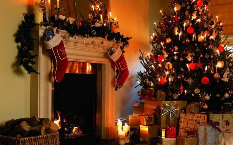 Weihnachtsbäume kaufen feierliche Atmospäre zu Hause schaffen