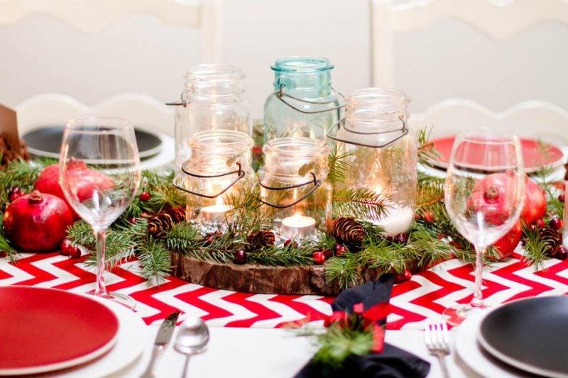 Adventskranz bestellen und Kerzen in Gläser stellen