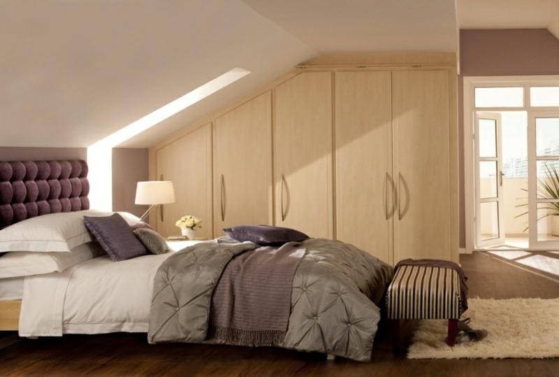 Begehbarer Kleiderschrank unter Dachschräge – Ideen und ...