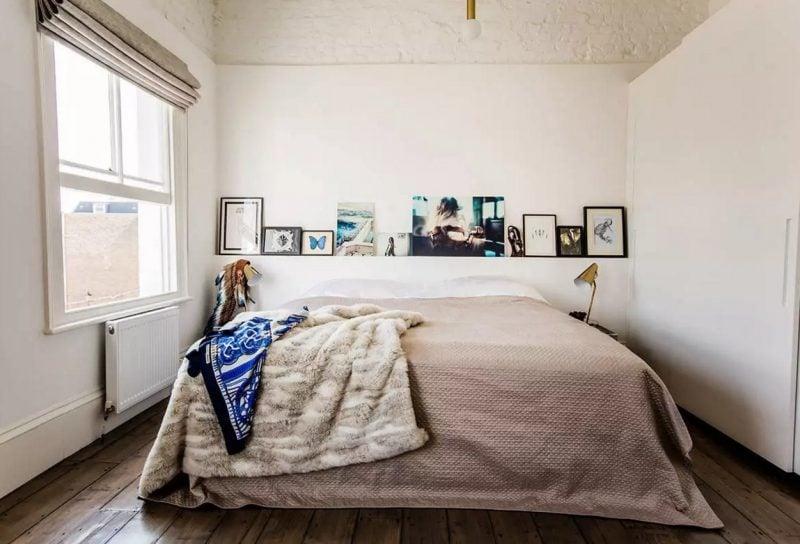 Bett ohne Kopfteil sieht kuschelig und gemütlich aus