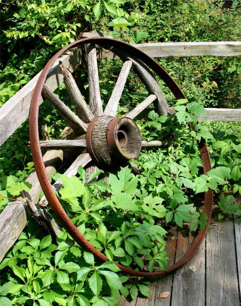 Gartendeko Rost kombiniert mit Holz