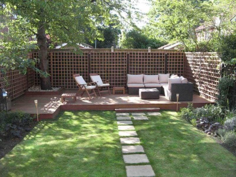 Ideen für Gartengestaltung mit Steinen: Gartenweg zu Erholungsbereich