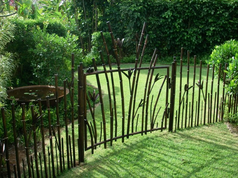 Gartentor selber bauen kreatives Design
