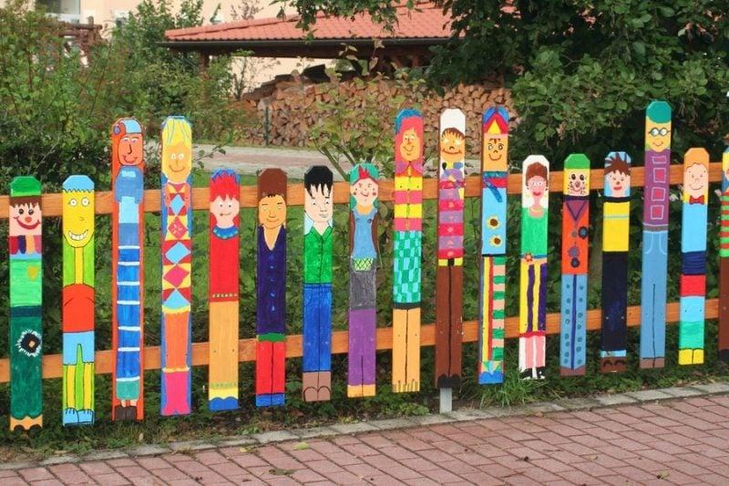 Gartenzaun aus Kunststoff bunte Idee