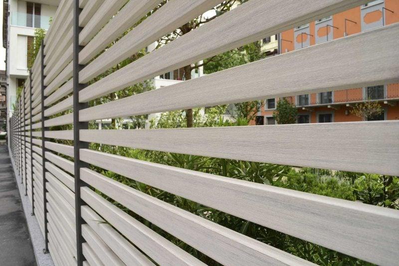 Gartenzaun aus Kunststoff Holzoptik