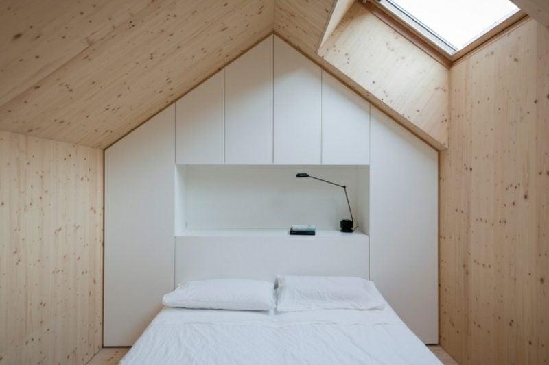 begehbarer Kleiderschrank unter Dachschräge originelles Design