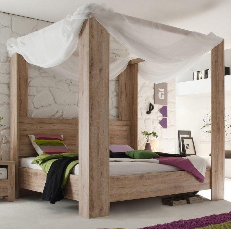 Himmelbett Vorhang kombiniert mit Massivholz