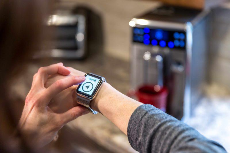 Intelligentes Wohnen - Kontrollieren Sie alle Geräte durch Smartphone
