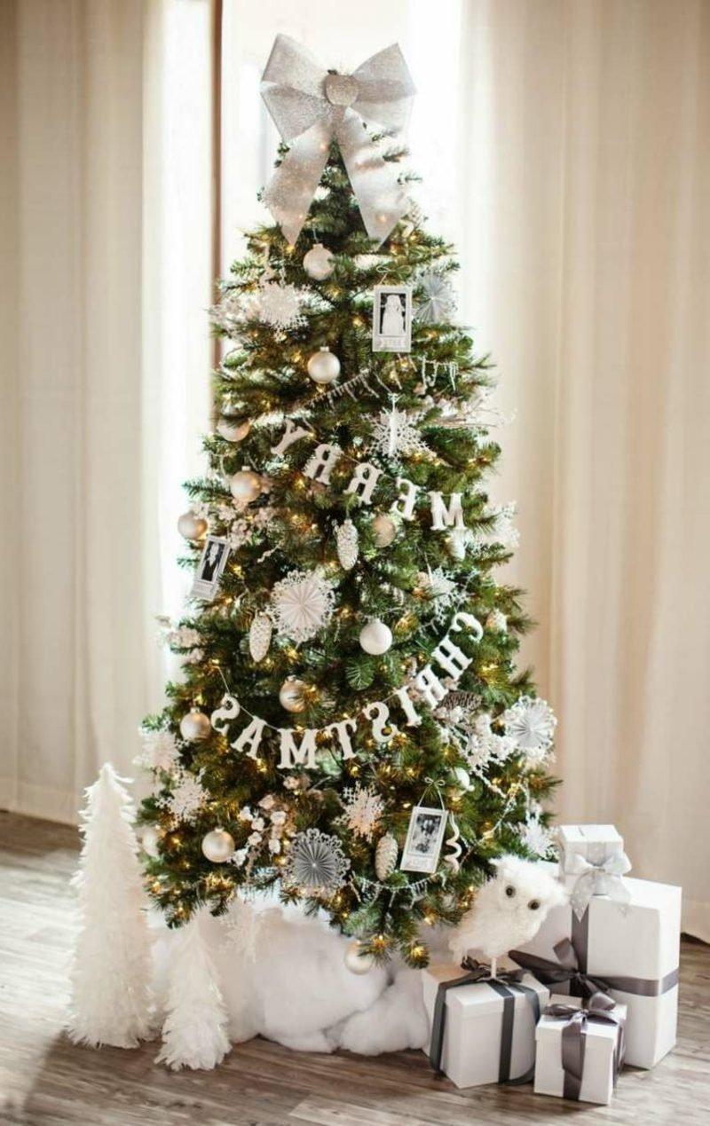 Weihnachtsbaum aus Kunststoff kaufen origineller Schmuck weiss