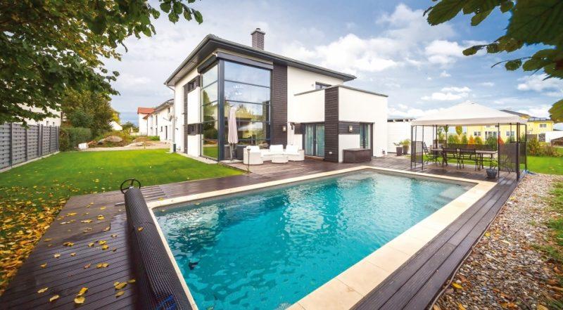 Kleine Fertighäuser Stadtvilla mit Swimmingpool