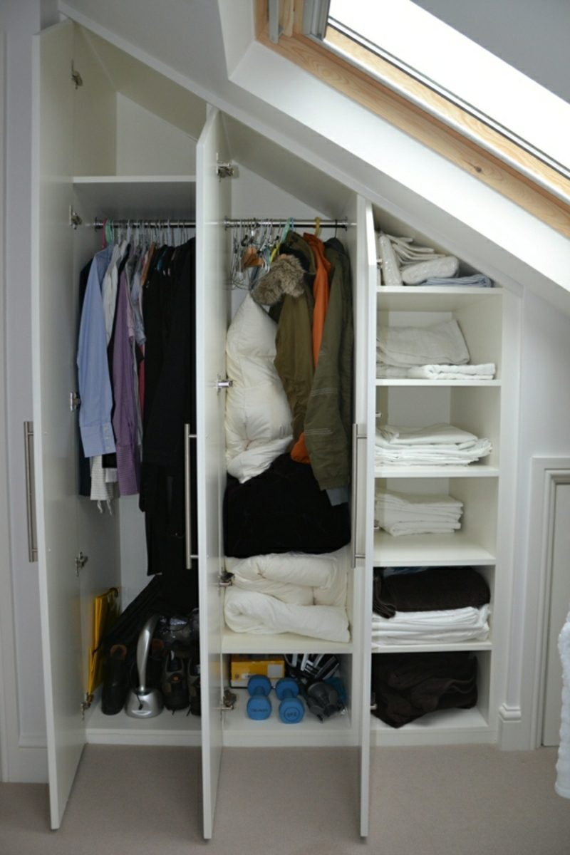 begehbarer Kleiderschrank unter Dachschräge kleineres Modell
