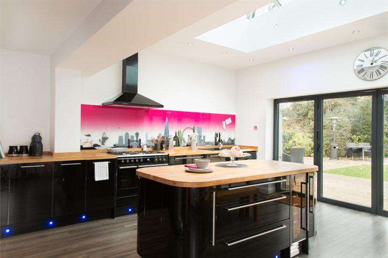 Küchenrückwand günstig mit Farbe gestalten