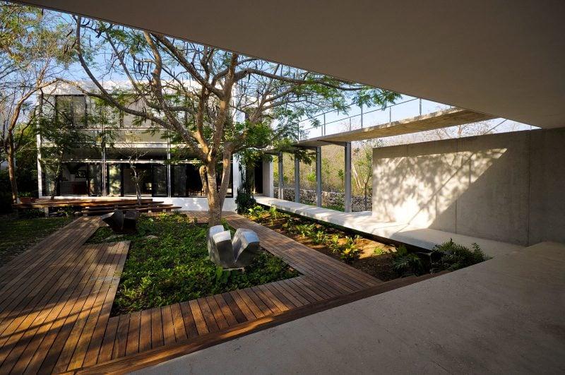 Moderne Gartengestaltung mit Holz