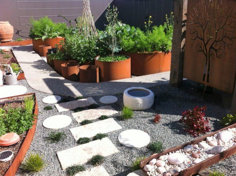 Moderne Gartengestaltung mit Steinen