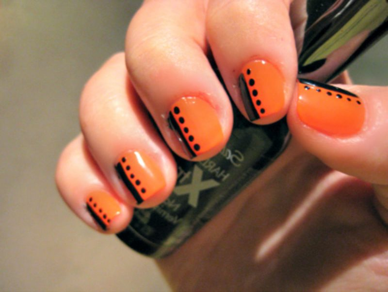 Nageldesign Schwarz Orange