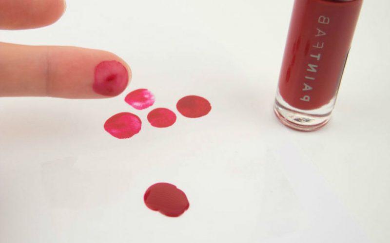 Rot Nageldesign für Halloween wie Blutige Fingerabdrücke DIY Anleitung Schritt 2