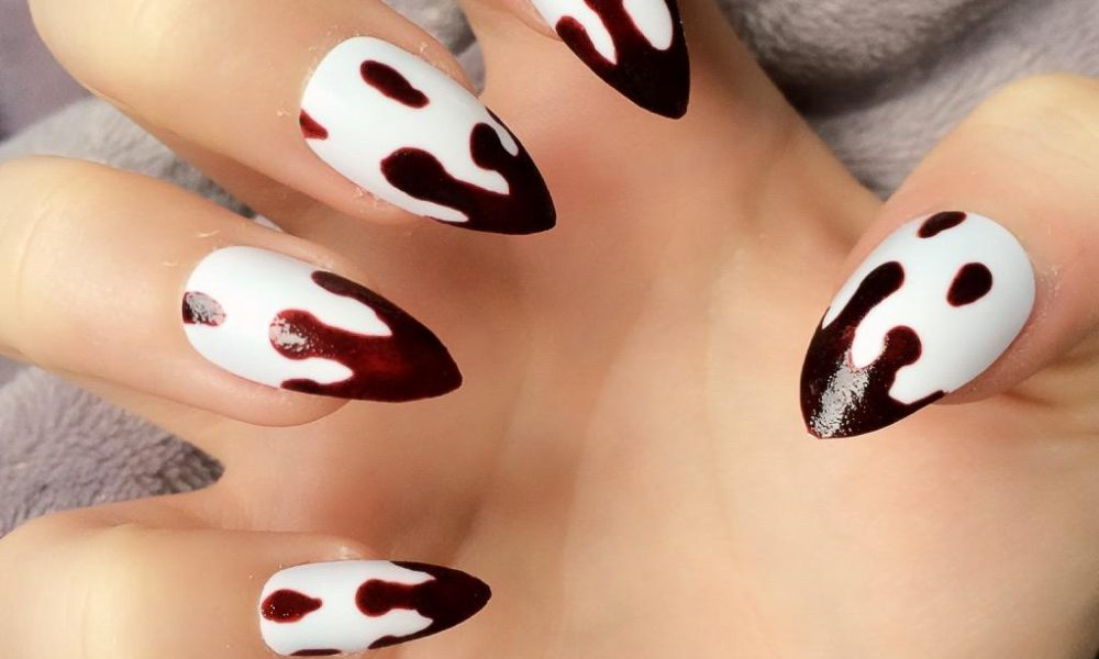 Rot Nageldesign Halloween blutige Nägel