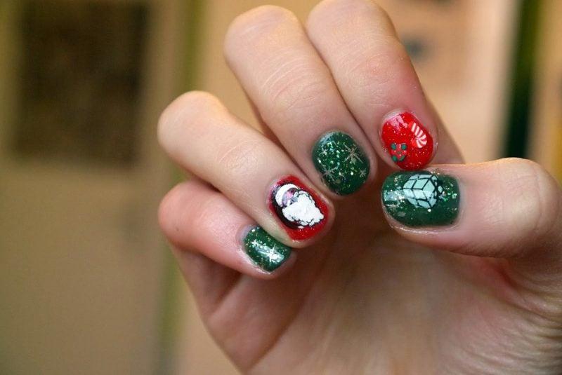 Schöne Gelnägel sind die beste Entscheidung für Nikolaustag, da sie bis Weihnachten haltbar sind