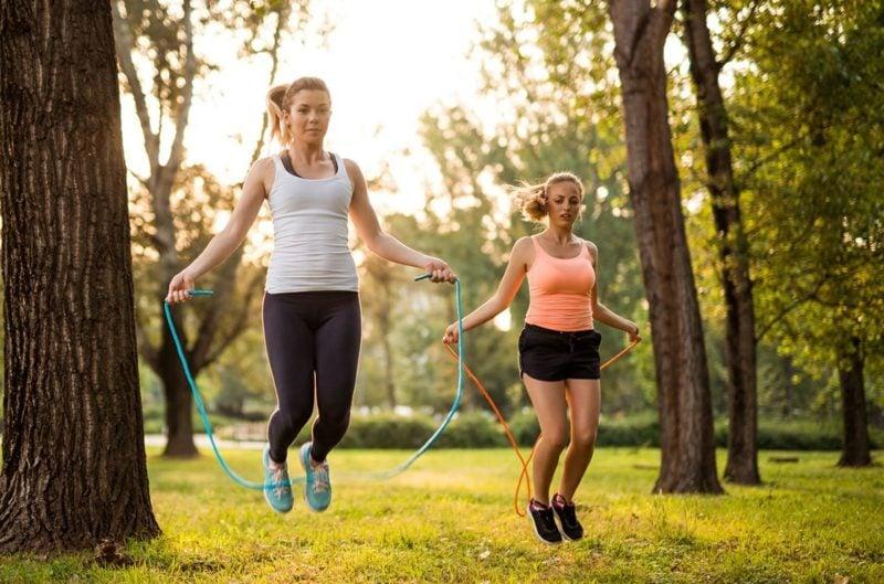 springseil fit halten kalorien abnehmen ausdauer training