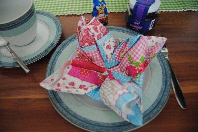 servietten-falten-seerose-ostern