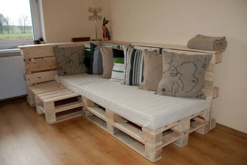 Sofa aus Europaletten Ecksofa