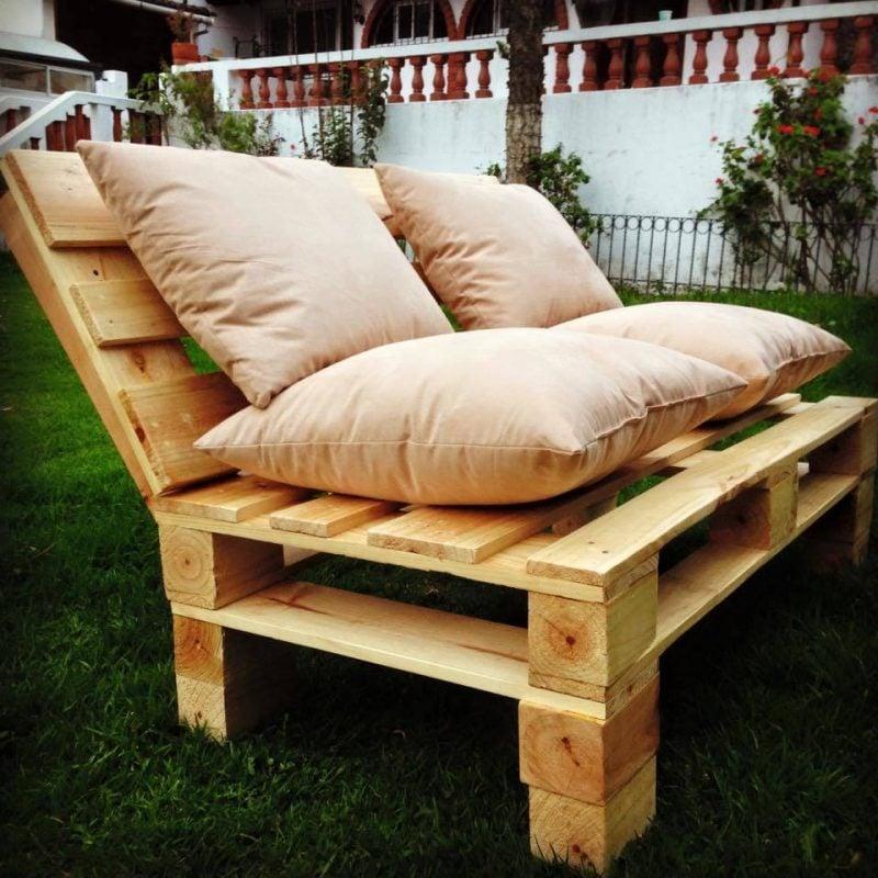 Sofa aus Europaletten nur als Sitzbank im Garten