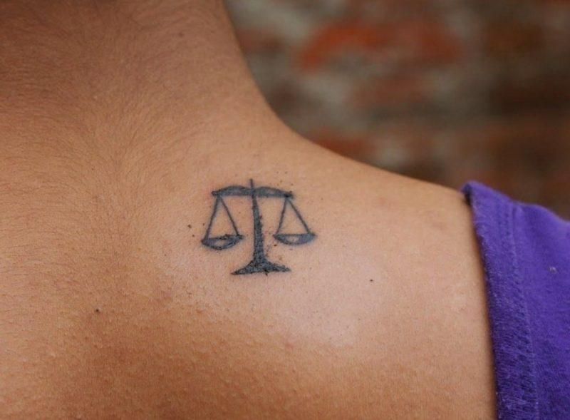 tattoo sternzeichen waage