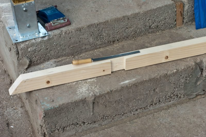 handlauf selber bauen treppengel nder selber bauen anleitung und beispiele treppengelander. Black Bedroom Furniture Sets. Home Design Ideas