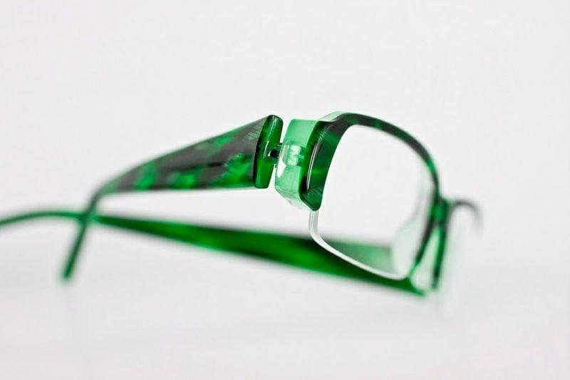 moderne Brillen mit originellen grünen Fassungen Brillenmode Herbst Winter 2016