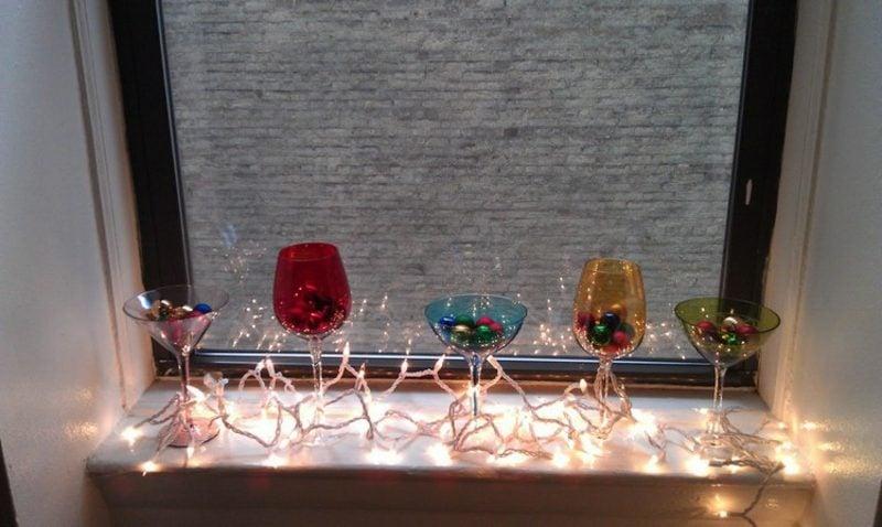 originelle Dekoideen zu Weihnachten Lichterkette Fensterbank