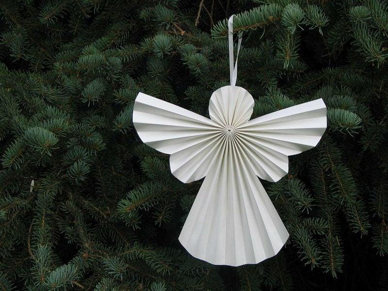 Christbaumschmuck selber machen Engelchen aus Papier