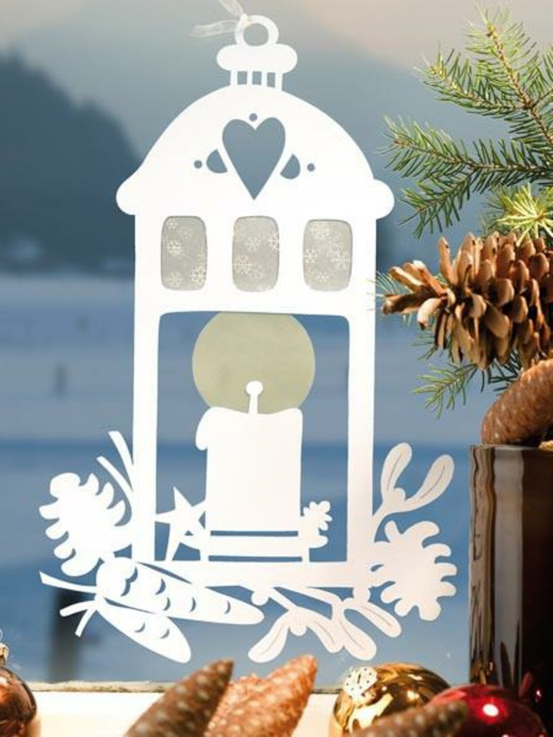 Fensterbilder zu Weihnachten Kerzenlaterne Transparentpapier